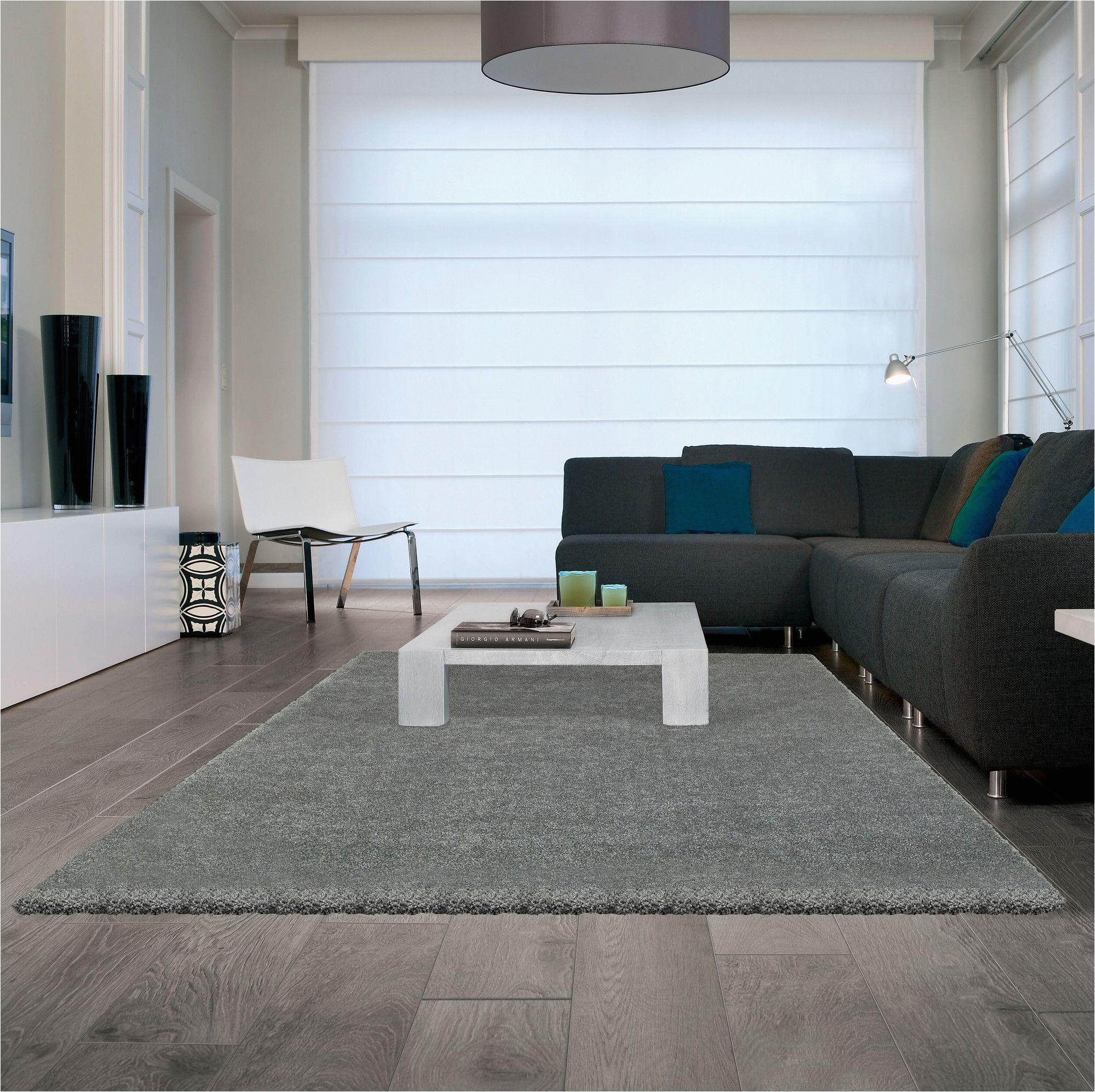 area rugs on laminate flooring