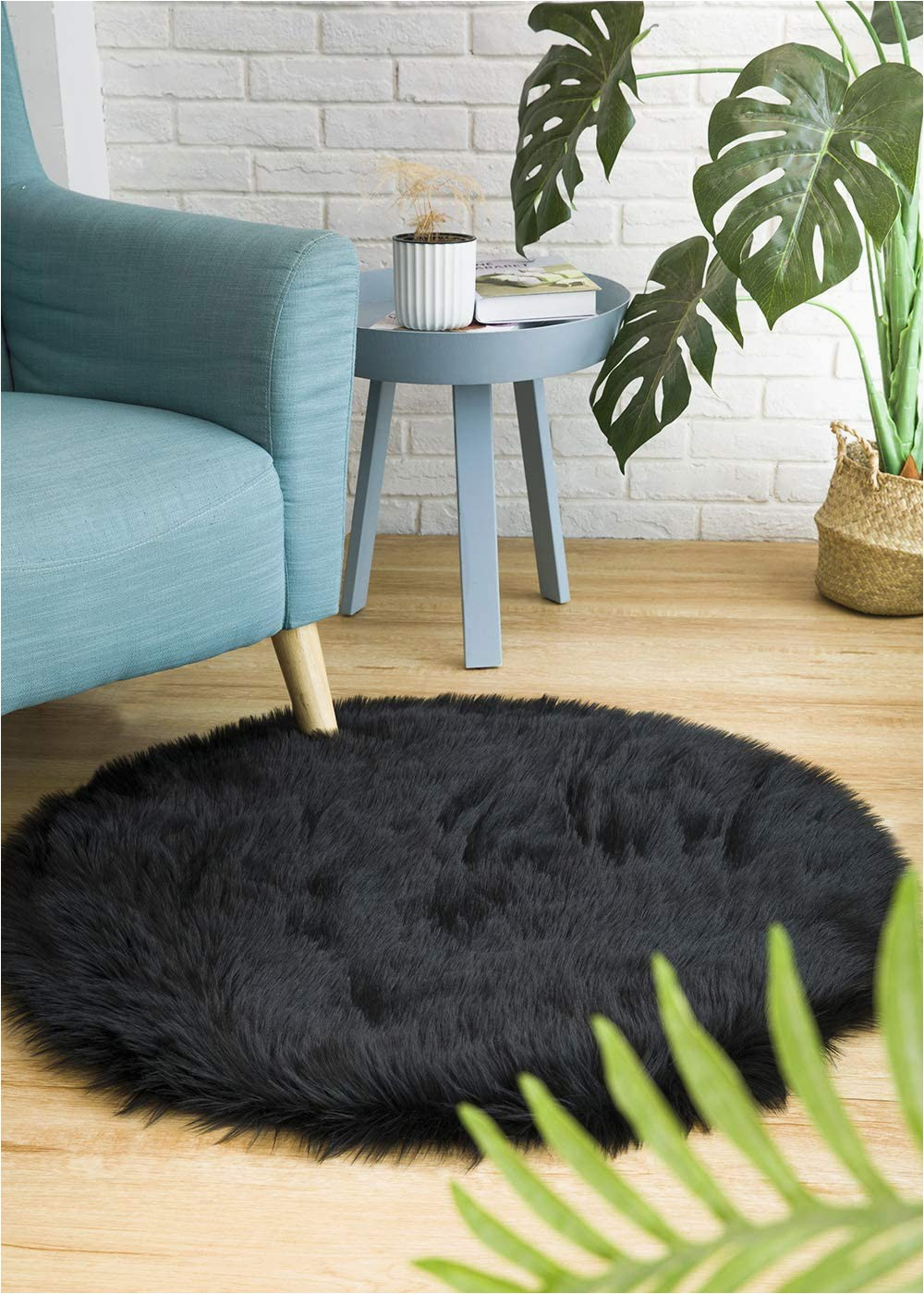 Faux Sheepskin area Rug 8x10 Ciicool soft Faux Sheepskin Fur area Rugs Fluffy Rugs for Bedroom Silky Fuzzy Carpet Furry Rug for Living Room Girls Rooms Black Round 3 X 3 Feet