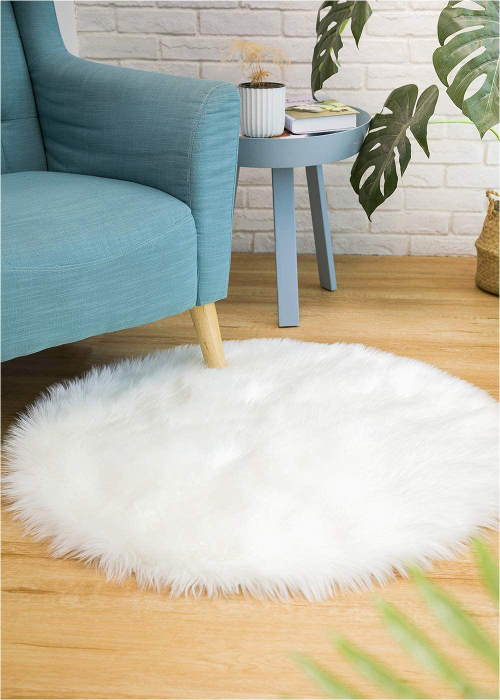 Faux Sheepskin area Rug 8×10 Ciicool soft Faux Sheepskin Fur area Rugs Round Fluffy Rugs for Bedroom Silky Fuzzy Carpet Furry Rug for Living Room Girls Rooms White 3 X 3 Feet