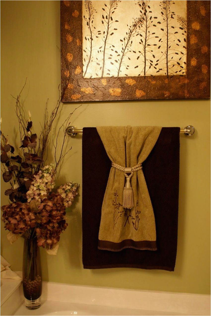 Gold Bath towels and Rugs to Match Decorative towels