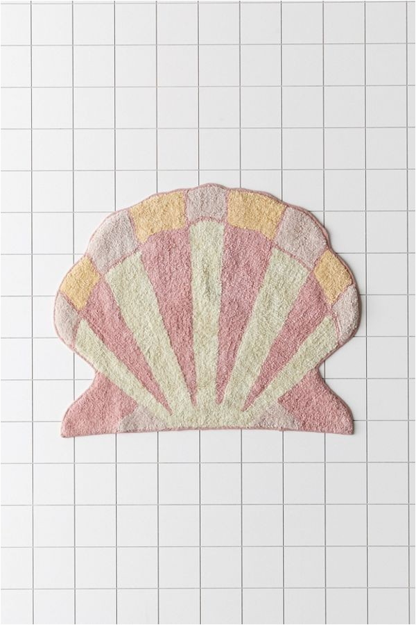 Shell Shaped Bath Rugs Shelly Shaped Bath Mat In 2020