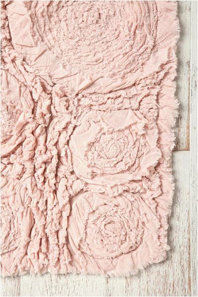 bed roses bath mat
