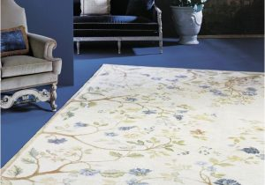Blue and White Floral Rug 19 Glamorous Ways to Decorate with Blue Rugs