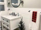 Christmas Bathroom Rugs and towels 15 Brilliant Christmas Bathroom Decor Ideas