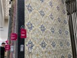 Does Homegoods Have area Rugs Homegoods Vs at Home which Home Decor Retailer is Better